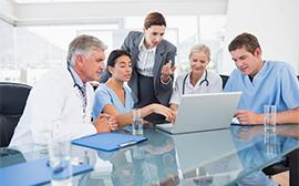 Team sanitario al lavoro